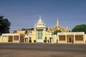 royal-palace phnom penh cambodia